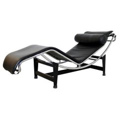 Mid-Century Modern Early Le Corbusier LC4 Leather Chrome Lounge Chaise Italy 70s
