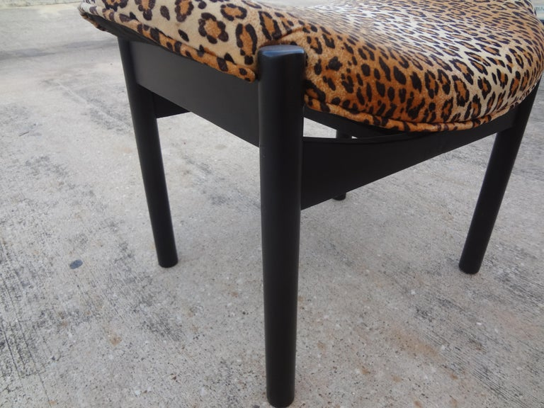Mid-Century Modern Ebonized Floating Bench or Ottoman by Arthur Umanoff For Sale 1