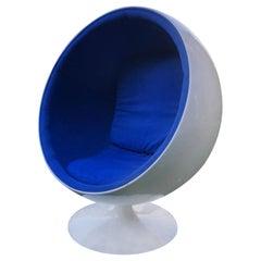 Mid-Century Modern Egg Chair