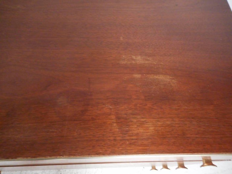 Mid-Century Modern Eight-Drawer Dresser by R-Way For Sale 4