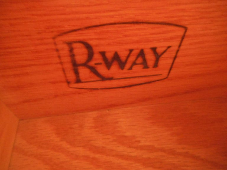 Late 20th Century Mid-Century Modern Eight-Drawer Dresser by R-Way For Sale