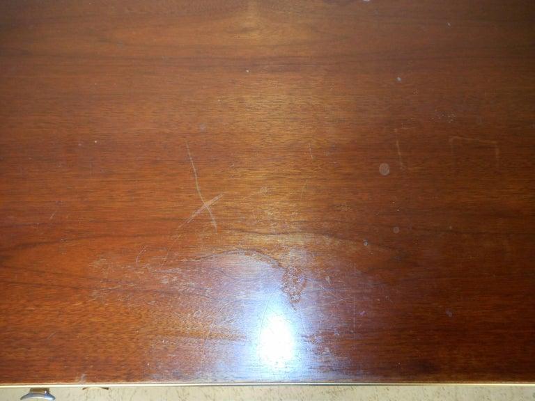 Mid-Century Modern Eight-Drawer Dresser by R-Way For Sale 2