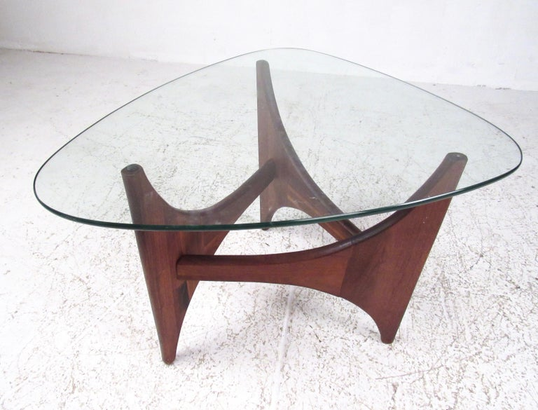 00f80eb4c667 Walnut Mid-Century Modern End Table Attributed to Adrian Pearsall For Sale