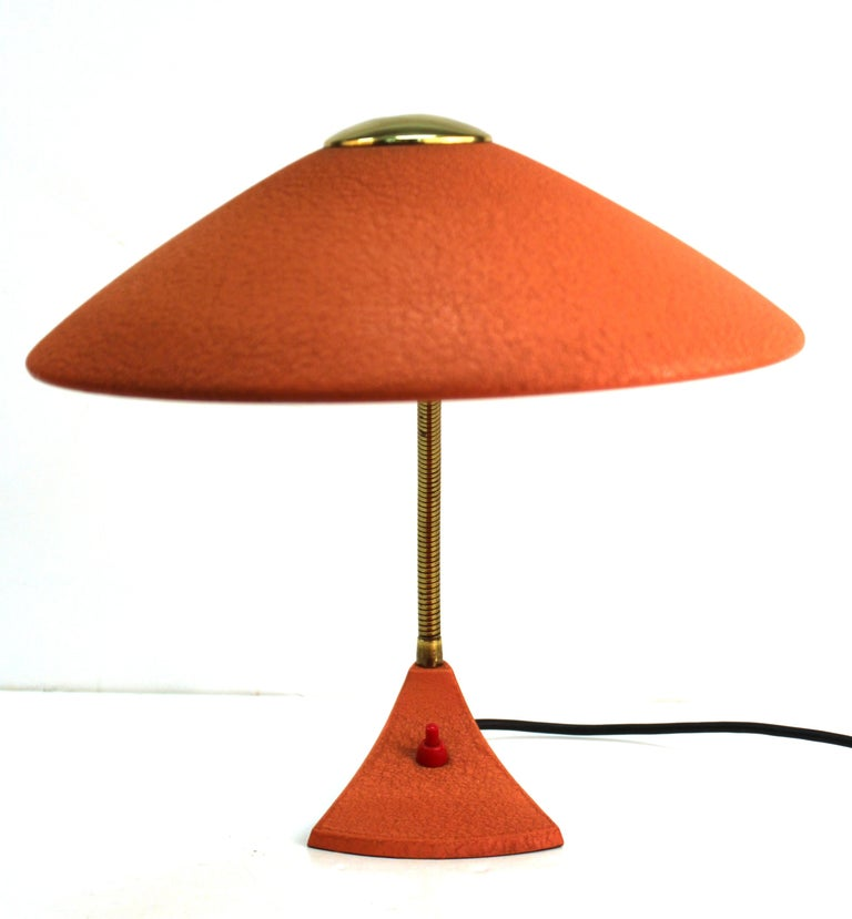 Mid-Century Modern European Metal Desk Lamp In Good Condition For Sale In New York, NY