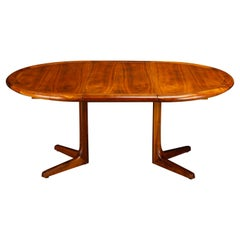 Mid-Century Modern Expandable Walnut Dining or Conference Table, circa 1960s