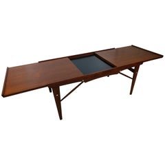 Mid-Century Modern Expanding Walnut Cocktail Table Netherlands