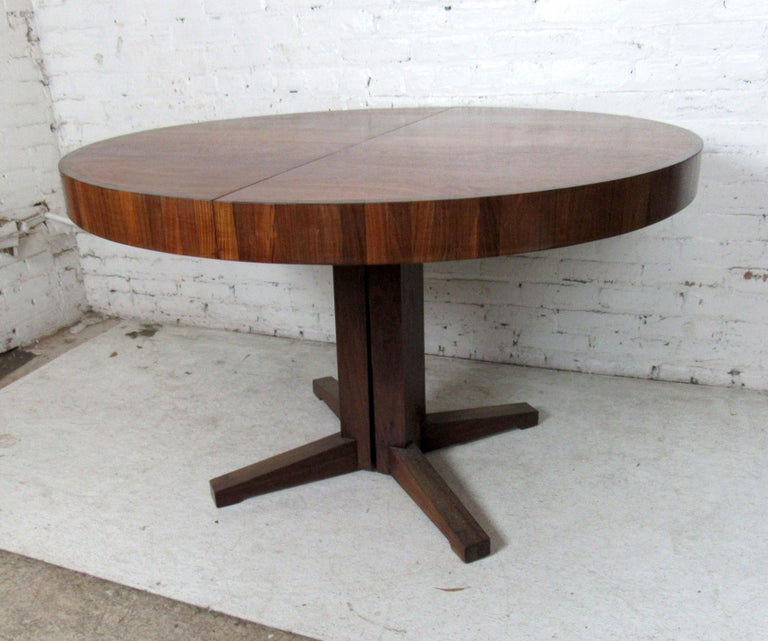 Mid-20th Century Mid-Century Modern Extendable Dining Table