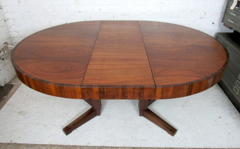 Mid-Century Modern Extendable Dining Table 3