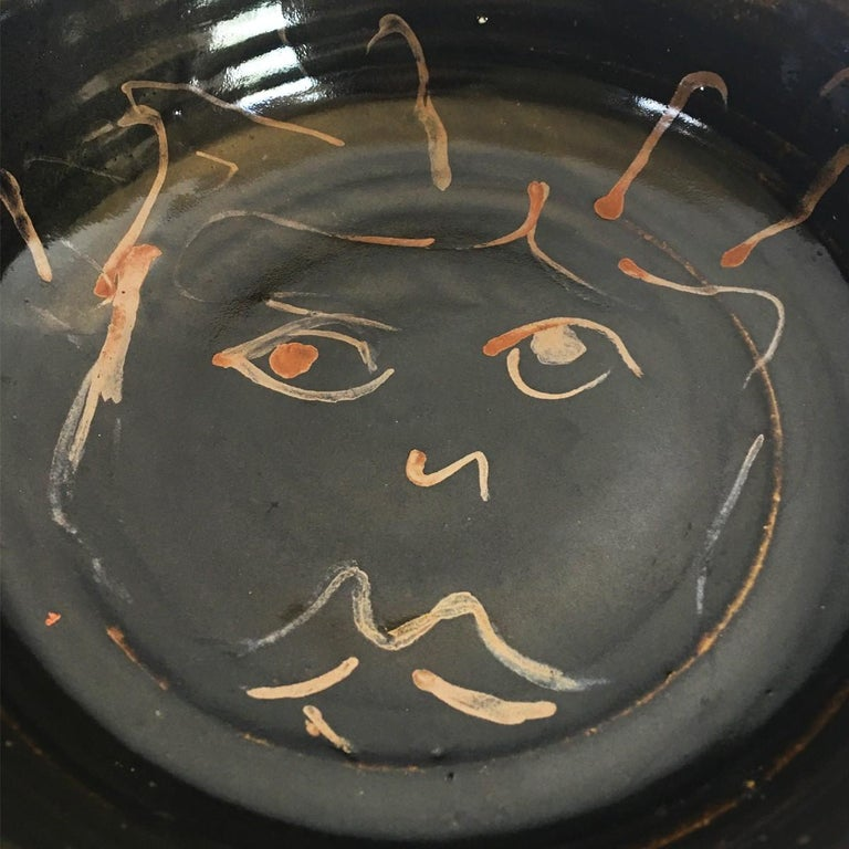 Glazed Mid-Century Modern Figural Face Ceramic Pottery Bowl For Sale