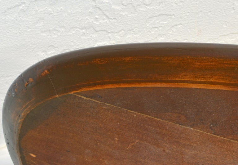 20th Century Mid-Century Modern Figured Walnut Elliptical Surf Board Style Coffee Table For Sale
