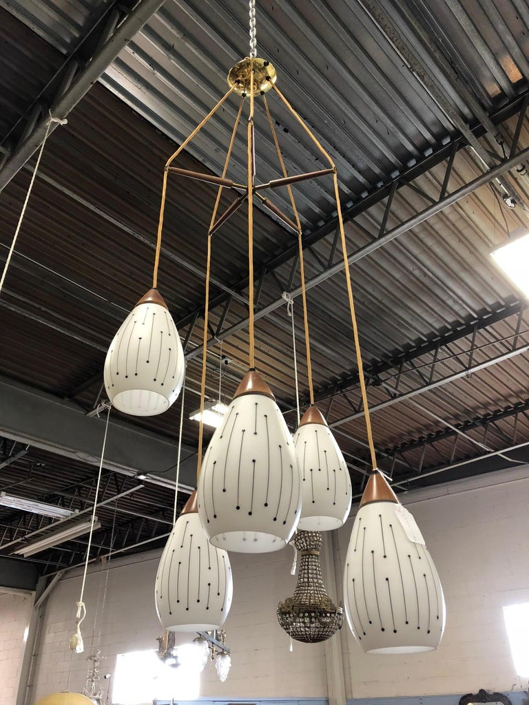 Mid-Century Modern Five-Pendant Light Fixture In Good Condition For Sale In New York, NY
