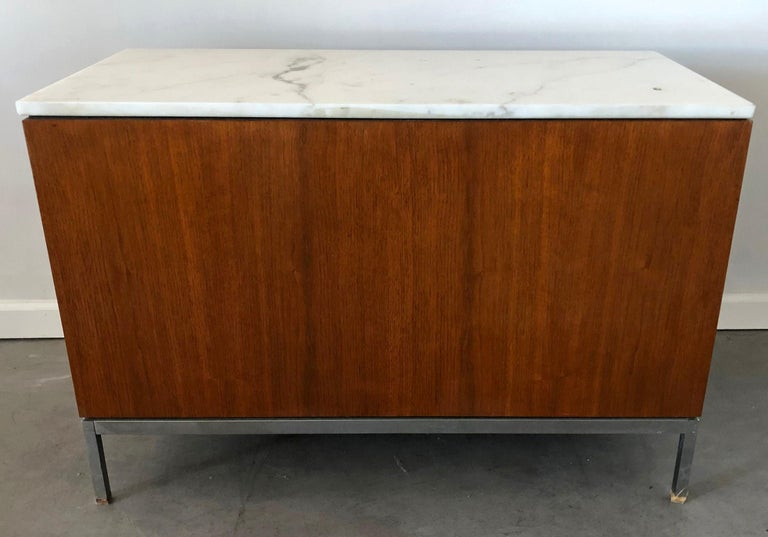 Mid-Century Modern Florence Knoll Credenza For Sale 1