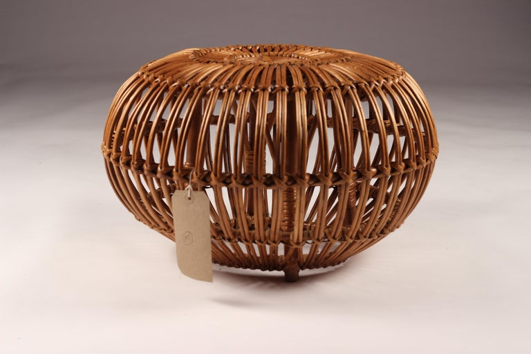 Mid-Century Modern Wicker Ottoman, Stool or Side Table For Sale 4