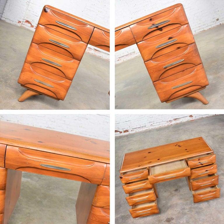 Mid-Century Modern Franklin Shockey Sculpted Pine Double Pedestal Desk or Vanity 8