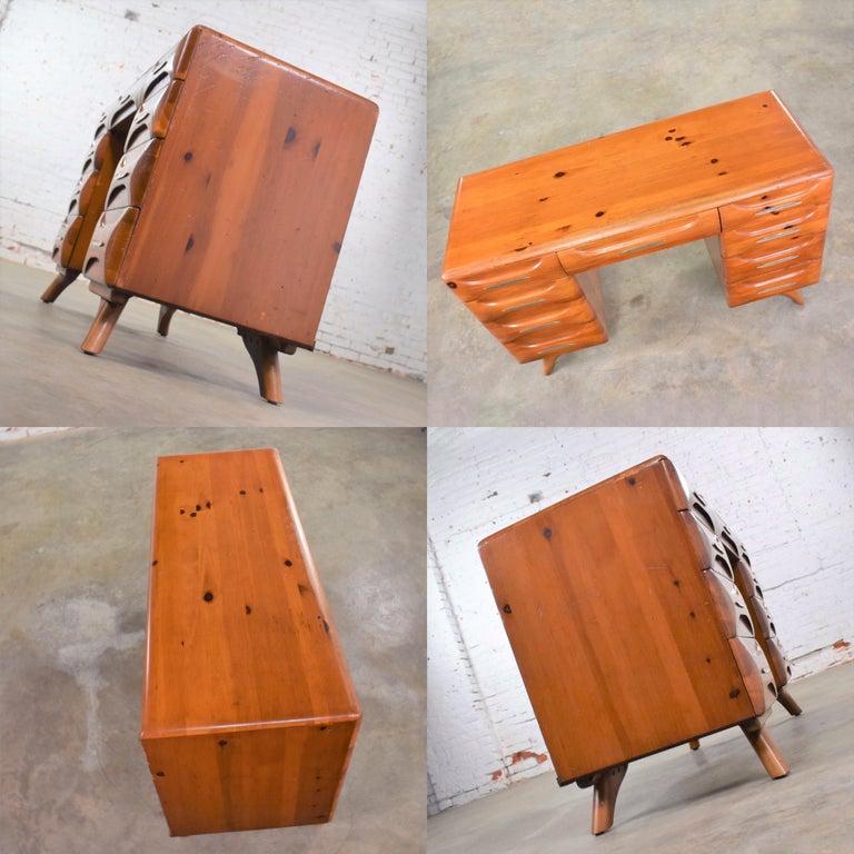 Mid-Century Modern Franklin Shockey Sculpted Pine Double Pedestal Desk or Vanity 2