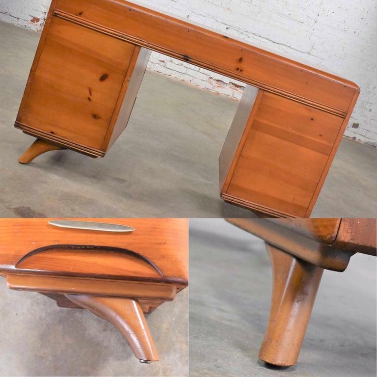 Mid-Century Modern Franklin Shockey Sculpted Pine Double Pedestal Desk or Vanity 3