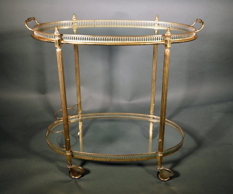Mid-Century Modern French Brass and Glass Bar Cart, the 1950s In Good Condition For Sale In Downingtown, PA