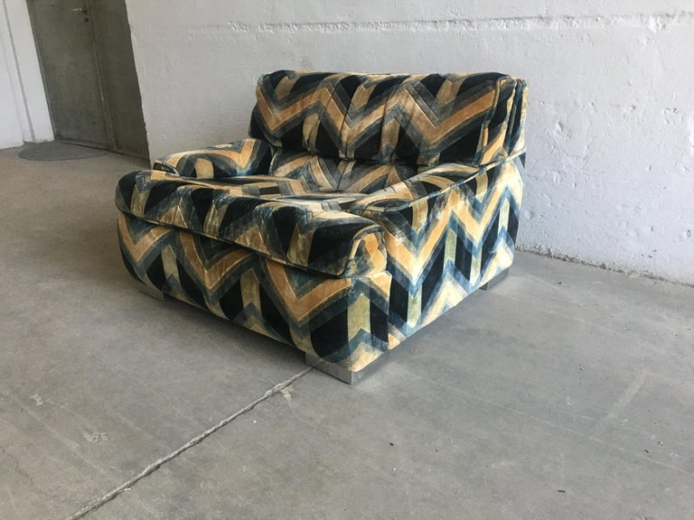 Mid-Century Modern French Sofa with Original Velvet Fabric by Gérard Guermonprez For Sale 12