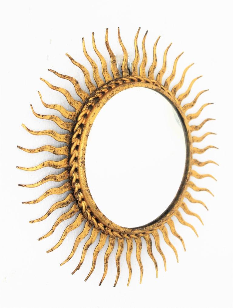1960s Spanish Mid-Century Modern Gilt Iron Mini Sized Wall Sunburst Mirror In Good Condition For Sale In Barcelona, ES