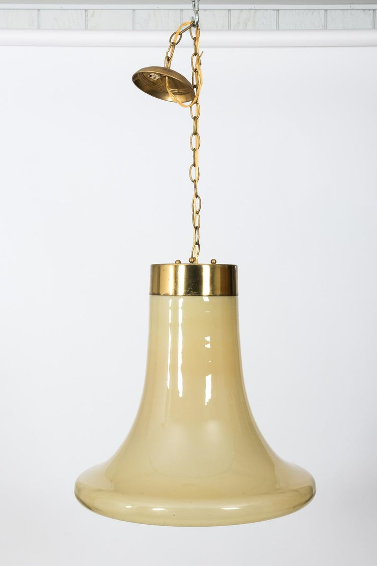 Mid-Century Modern Glass Bell Shaped Chandelier In Good Condition For Sale In Stamford, CT
