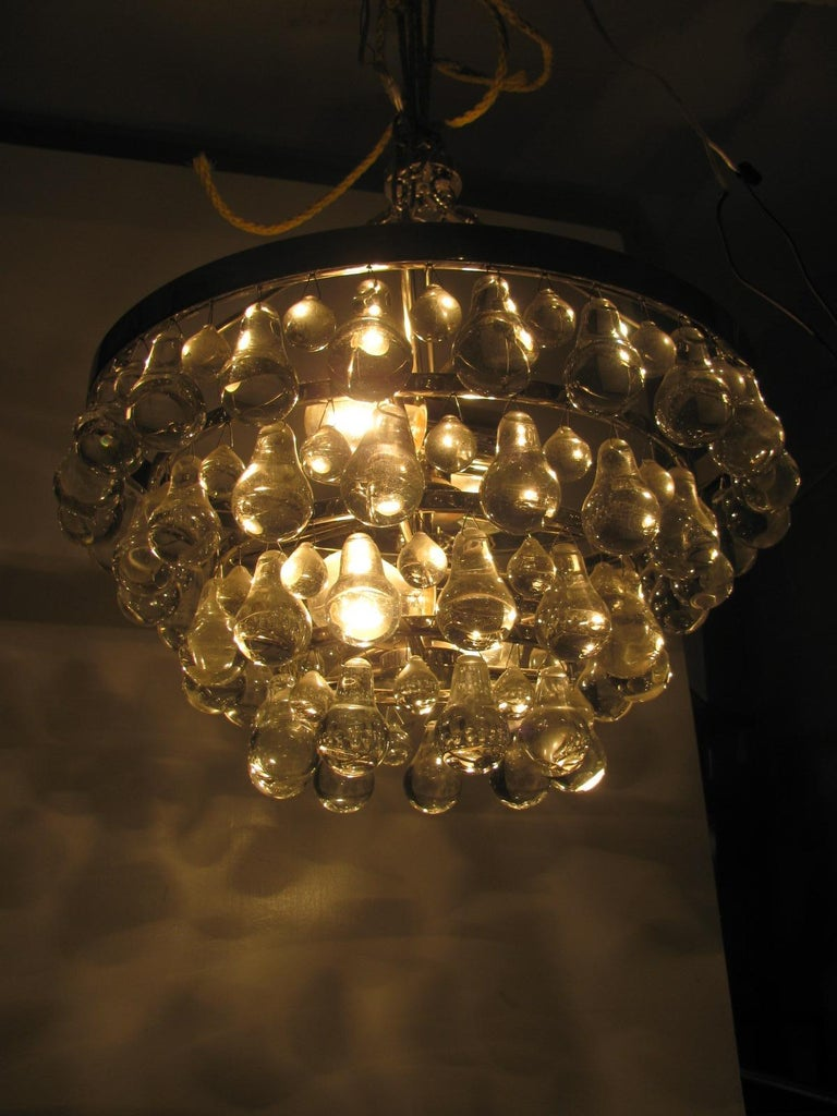 Austrian Midcentury Modern Glass Chandelier with Pear Shaped Pendalogues by Kalmar For Sale