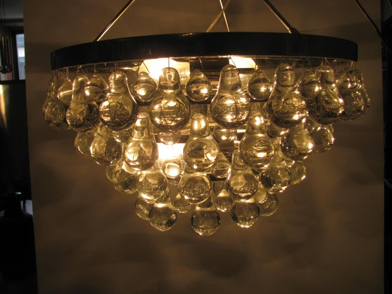 Midcentury Modern Glass Chandelier with Pear Shaped Pendalogues by Kalmar For Sale 1