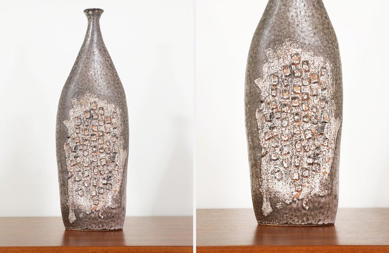 Mid-Century Modern Glazed Ceramic Vase In Excellent Condition For Sale In Los Angeles, CA