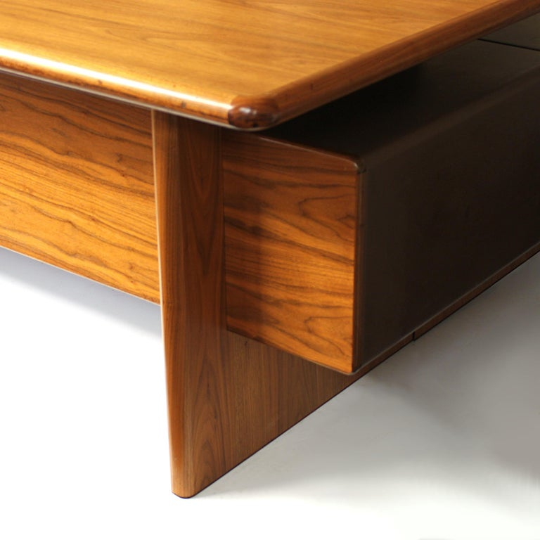 Mid-Century Modern GR90 L-Shaped Executive Desk by Ray Leigh for Gordon Russell For Sale 3