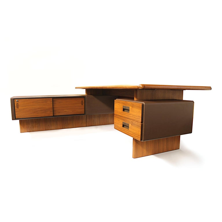 English Mid-Century Modern GR90 L-Shaped Executive Desk by Ray Leigh for Gordon Russell For Sale