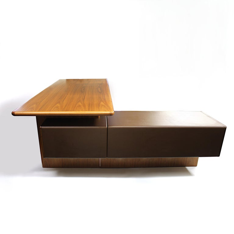 Late 20th Century Mid-Century Modern GR90 L-Shaped Executive Desk by Ray Leigh for Gordon Russell For Sale