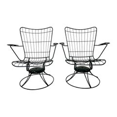 Mid-Century Modern Green Cast Iron Homecrest Wire Lounge Chairs, a Pair