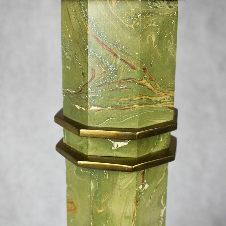Wood Mid-Century Modern Green Marbled Malachite Look Brass Pagoda Lamp For Sale