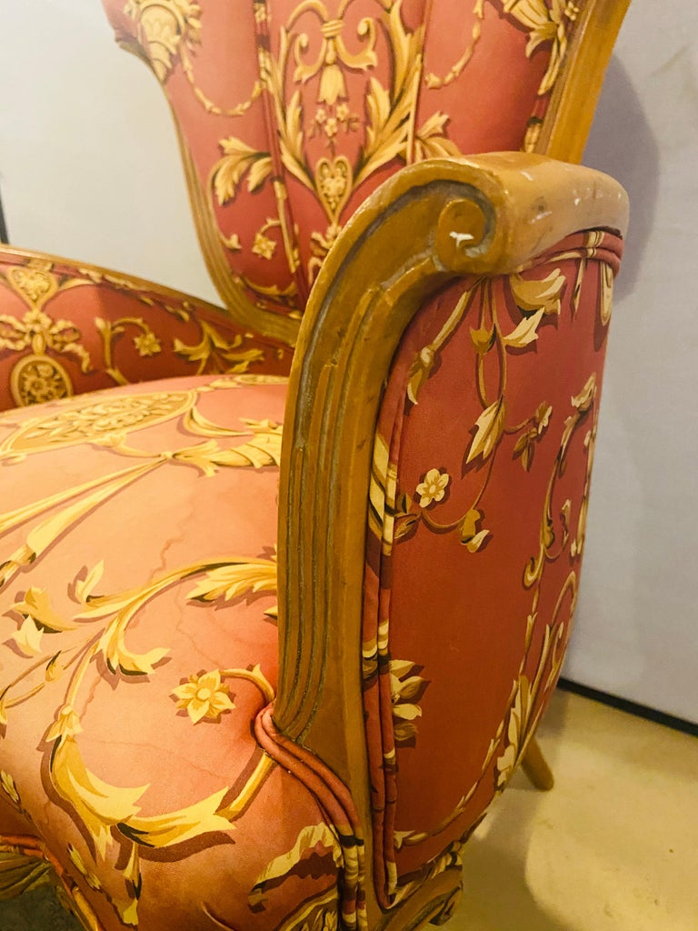 Mid-Century Modern Grosfeld House Sweetheart Chairs, a Fine Carved Pair For Sale 11