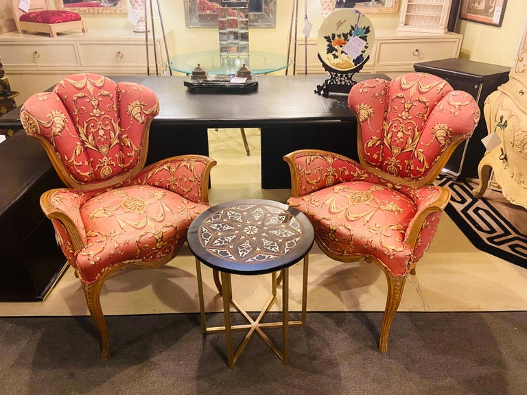 Mid-Century Modern Grosfeld House Sweetheart Chairs, a Fine Carved Pair For Sale 12