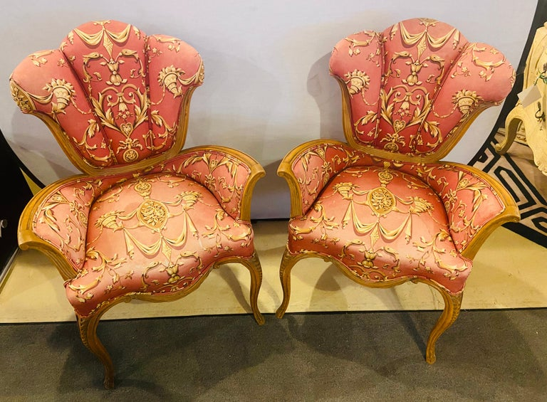 Mid-20th Century Mid-Century Modern Grosfeld House Sweetheart Chairs, a Fine Carved Pair For Sale
