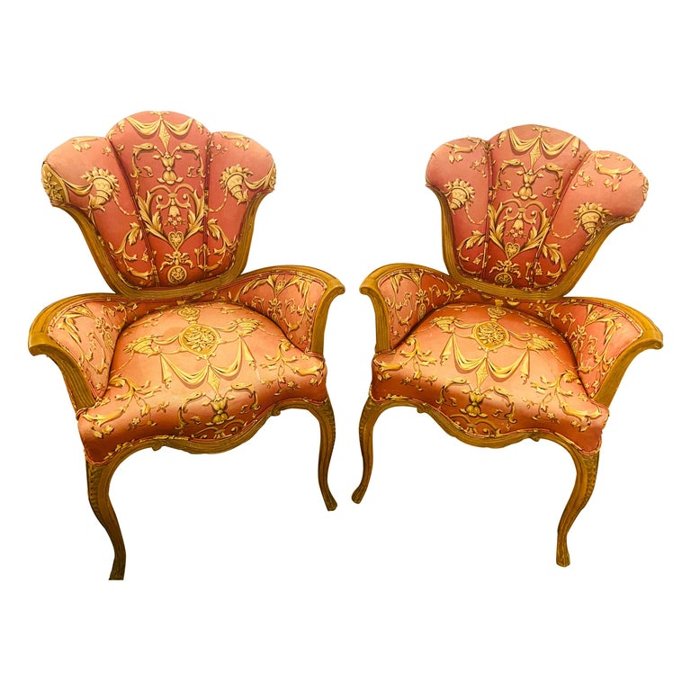 Mid-Century Modern Grosfeld House Sweetheart Chairs, a Fine Carved Pair For Sale