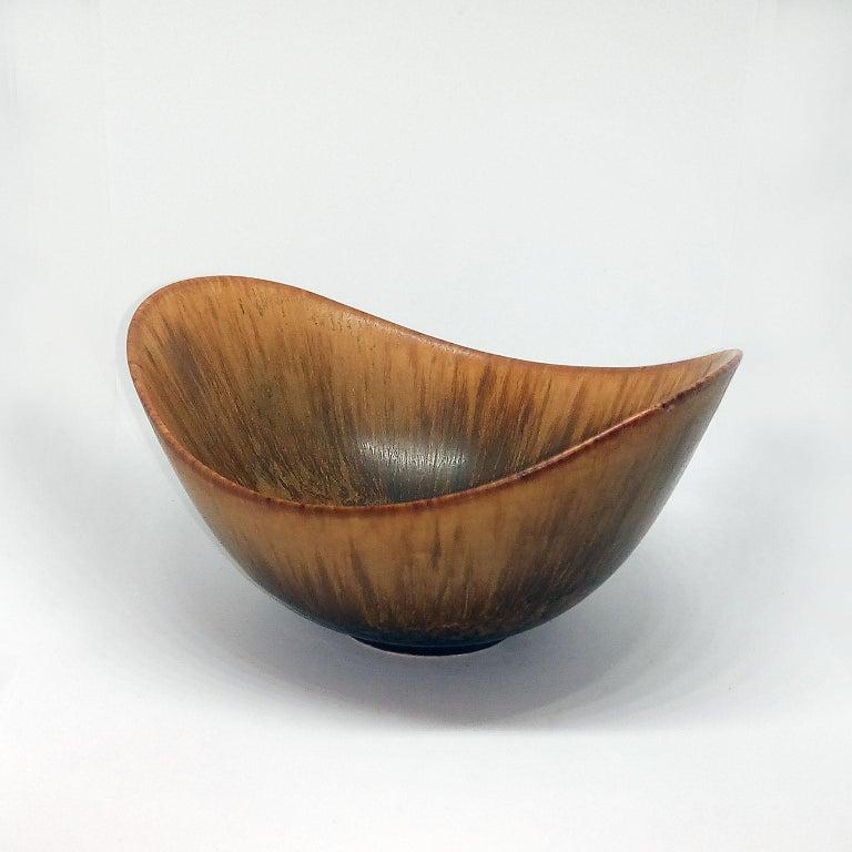 Swedish Mid-Century Modern Gunnar Nylund Ceramic Bowl Model ARO Rörstrand, Sweden For Sale