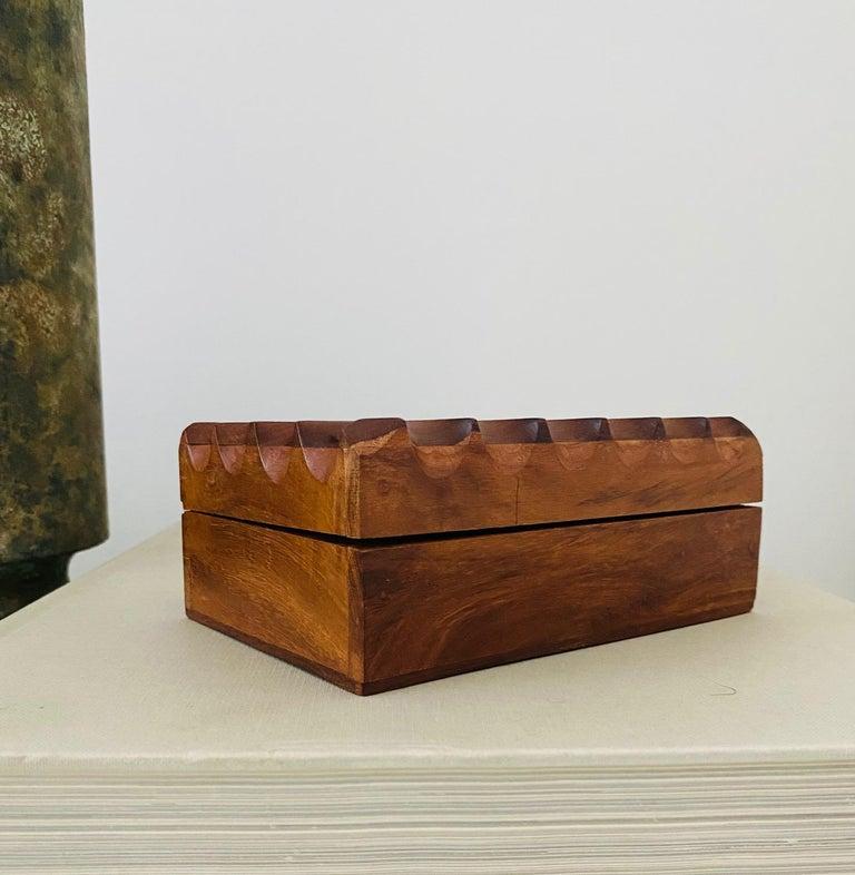 Mid-Century Modern Hand Carved Trinket Box in Walnut Wood, Denmark, c. 1960 For Sale 5