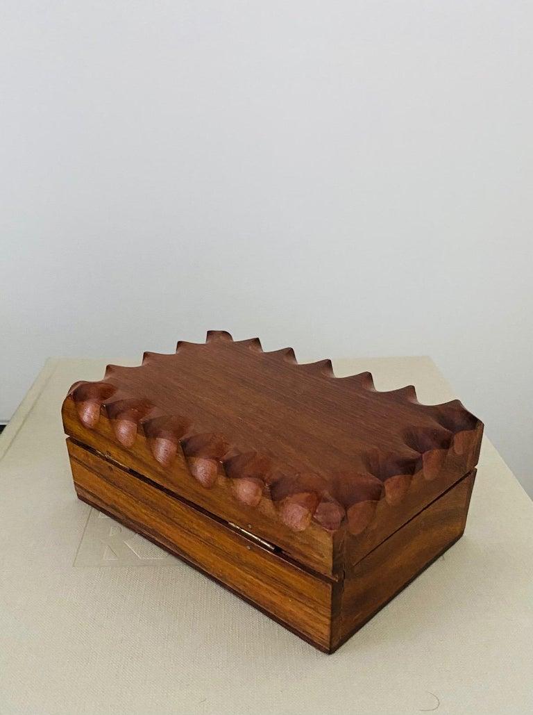 Mid-Century Modern Hand Carved Trinket Box in Walnut Wood, Denmark, c. 1960 For Sale 6