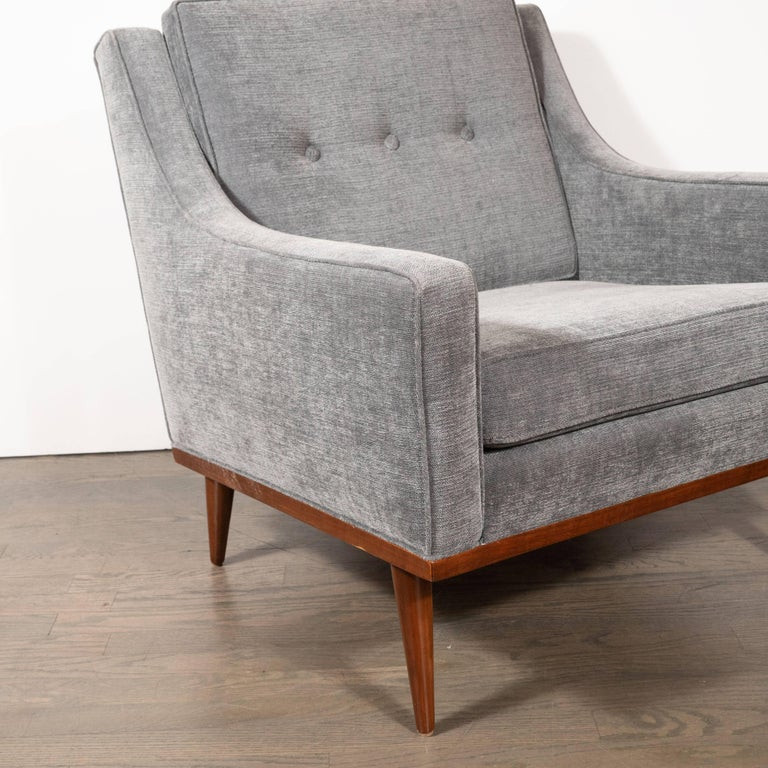 Mid-Century Modern Hand Rubbed Walnut Button Back Armchair in Dove Gray Fabric In Excellent Condition For Sale In New York, NY