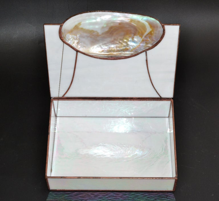 Hand-Crafted Mid-Century Modern Handmade Nautical Mother of Pearl & Seashell Decorative Box For Sale