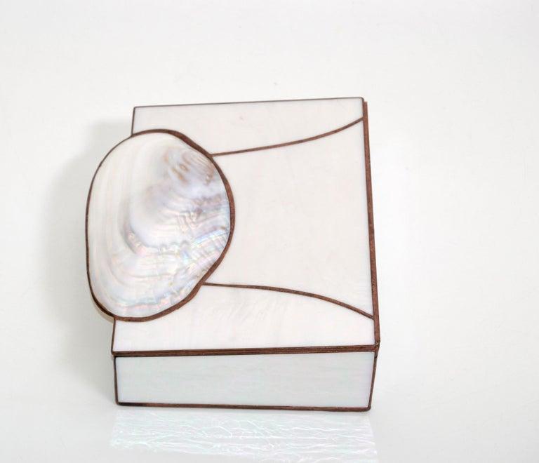 20th Century Mid-Century Modern Handmade Nautical Mother of Pearl & Seashell Decorative Box For Sale