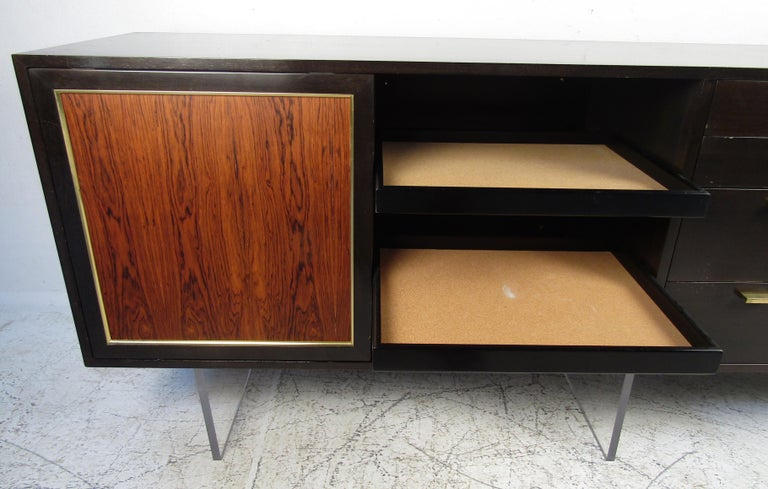 Mid-Century Modern Harvey Probber Credenza In Good Condition For Sale In Brooklyn, NY