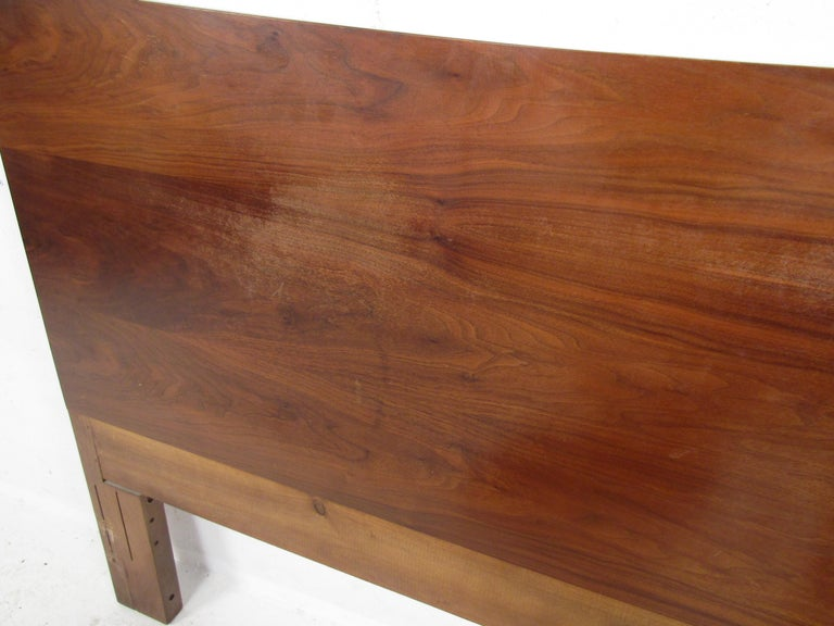 Mid-Century Modern Headboard Designed by R Way Manufacturing In Good Condition For Sale In Brooklyn, NY