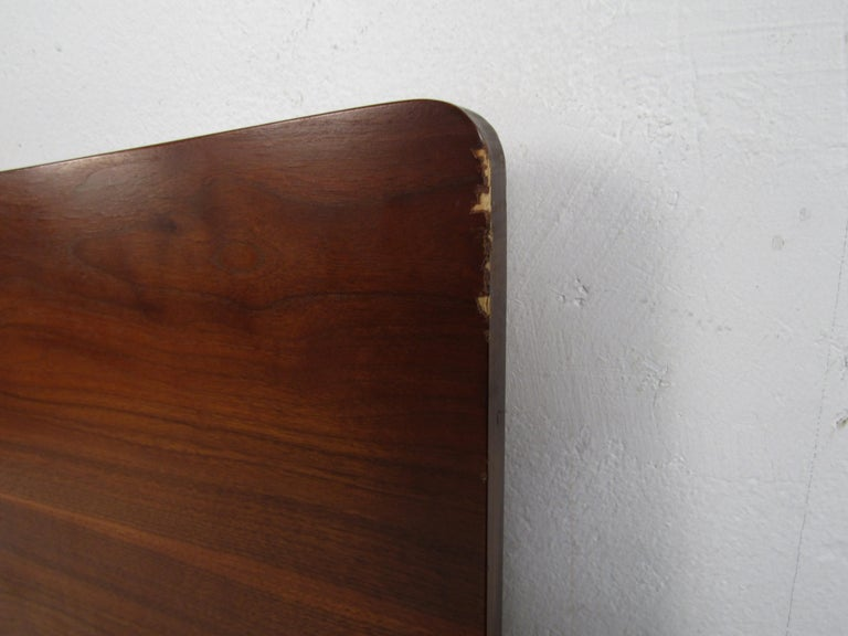 Mid-Century Modern Headboard Designed by R Way Manufacturing For Sale 1