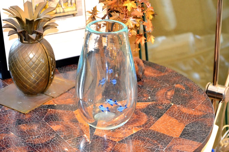 Mid-Century Modern Heavy Blown Clear Glass Studio Piece Blue Fish Vase, Italy In Good Condition For Sale In Miami, FL