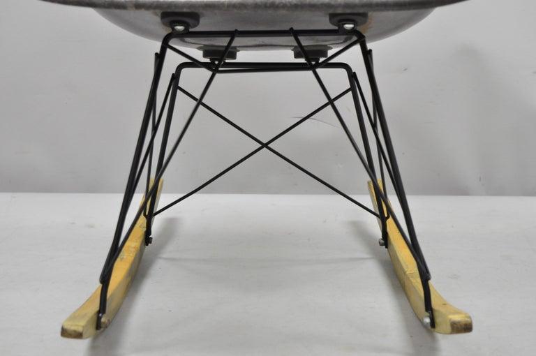 Mid-Century Modern Herman Miller Eames Black Fiberglass RAR Rocker Rocking Chair For Sale 1