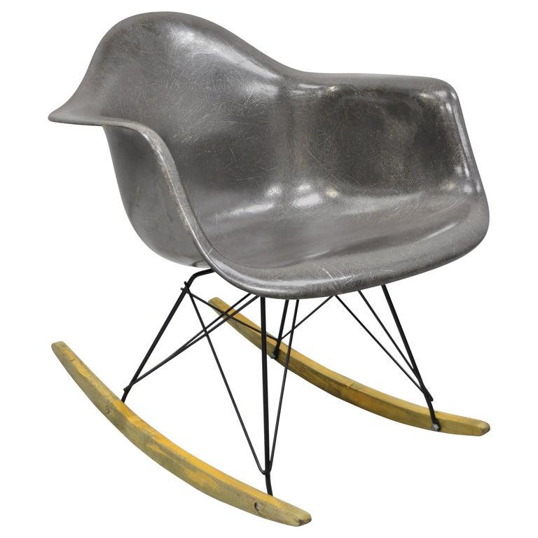 Mid-Century Modern Herman Miller Eames Black Fiberglass RAR Rocker Rocking Chair For Sale