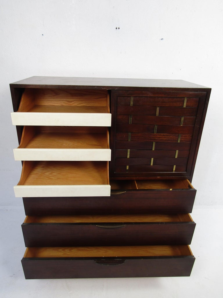 Mid-Century Modern High Dresser Designed by Harvey Probber In Fair Condition For Sale In Brooklyn, NY