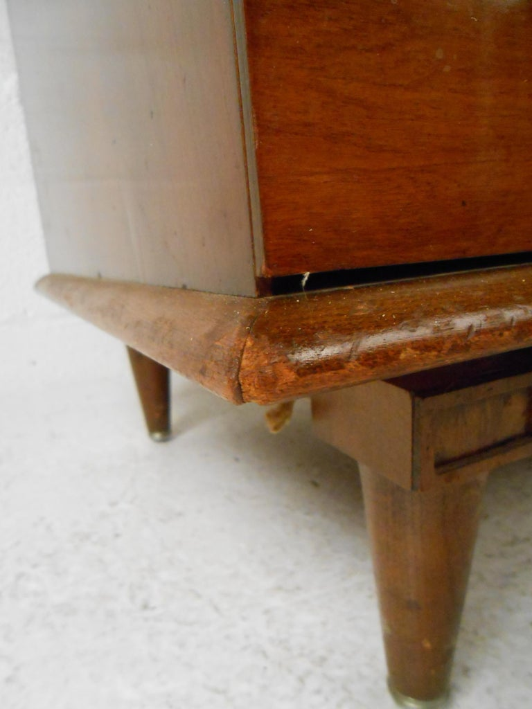 Mid-Century Modern Highboy Dresser by Mengel Furniture Co. For Sale 7